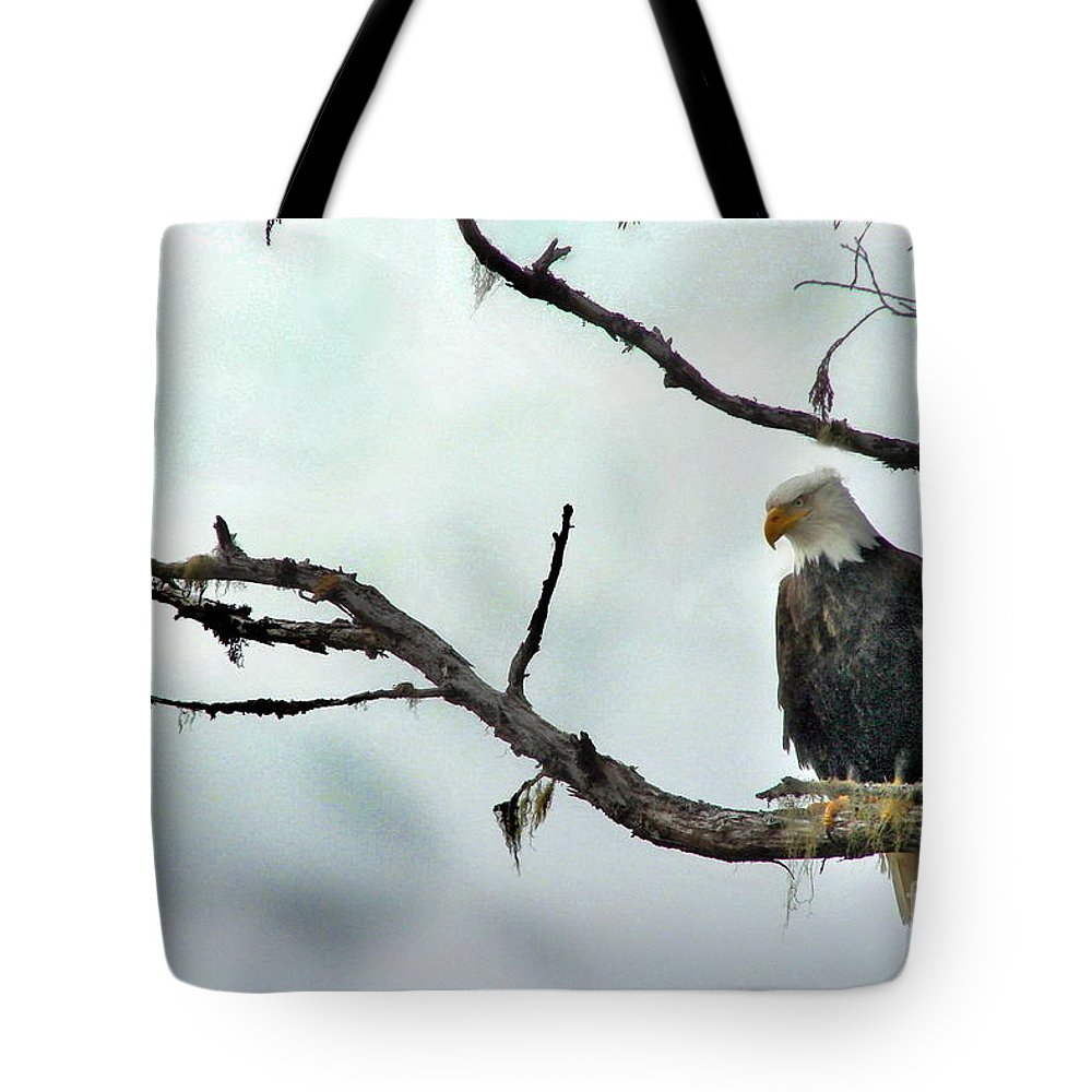 Eagle Tote Bag featuring the photograph Overseeing Dinner by Vivian Martin