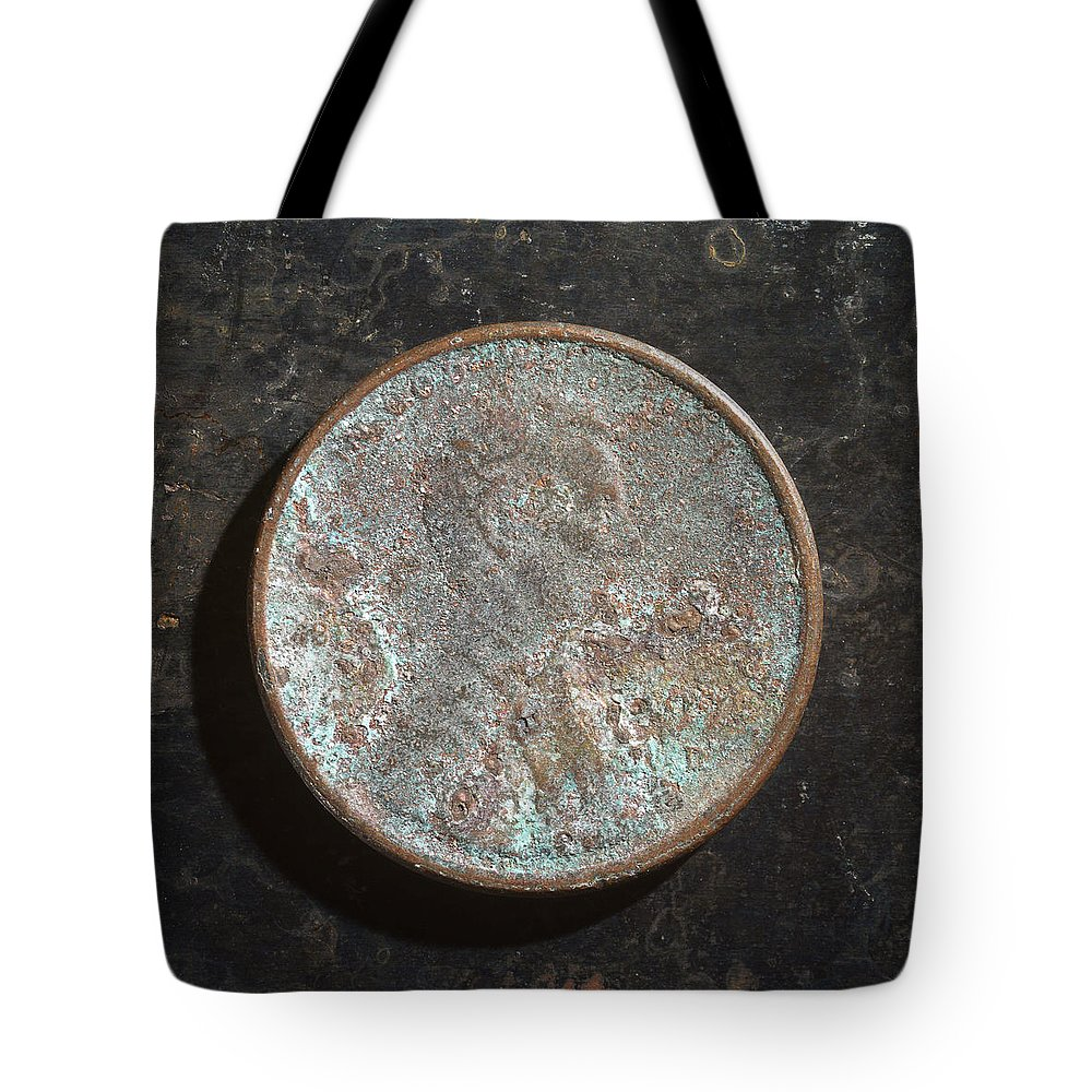 Americana Tote Bag featuring the photograph P19xx A H by Robert Mollett