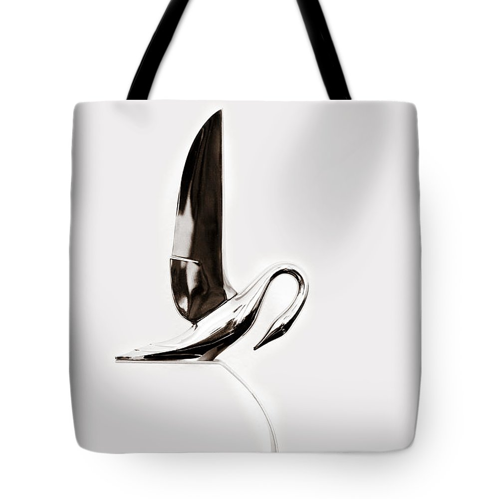 1940s 1950s Tote Bag featuring the photograph Packard Hood Ornament Horizontal by Marilyn Hunt