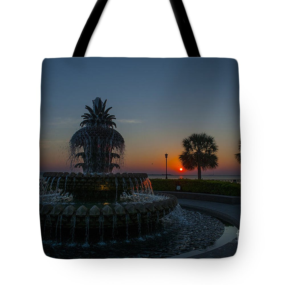 Pineapple Fountain At Waterfront Park In Downtown Charleston Sc Tote Bag featuring the photograph Palmetto Sunrise by Dale Powell