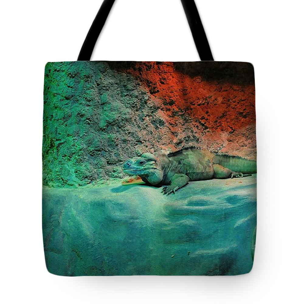 Two Tote Bag featuring the photograph Pals by Kathleen Struckle