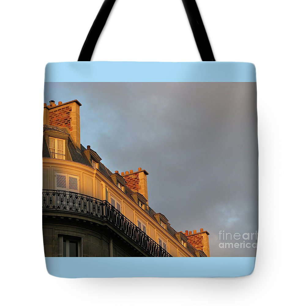 Paris Tote Bag featuring the photograph Paris At Sunset by Ann Horn