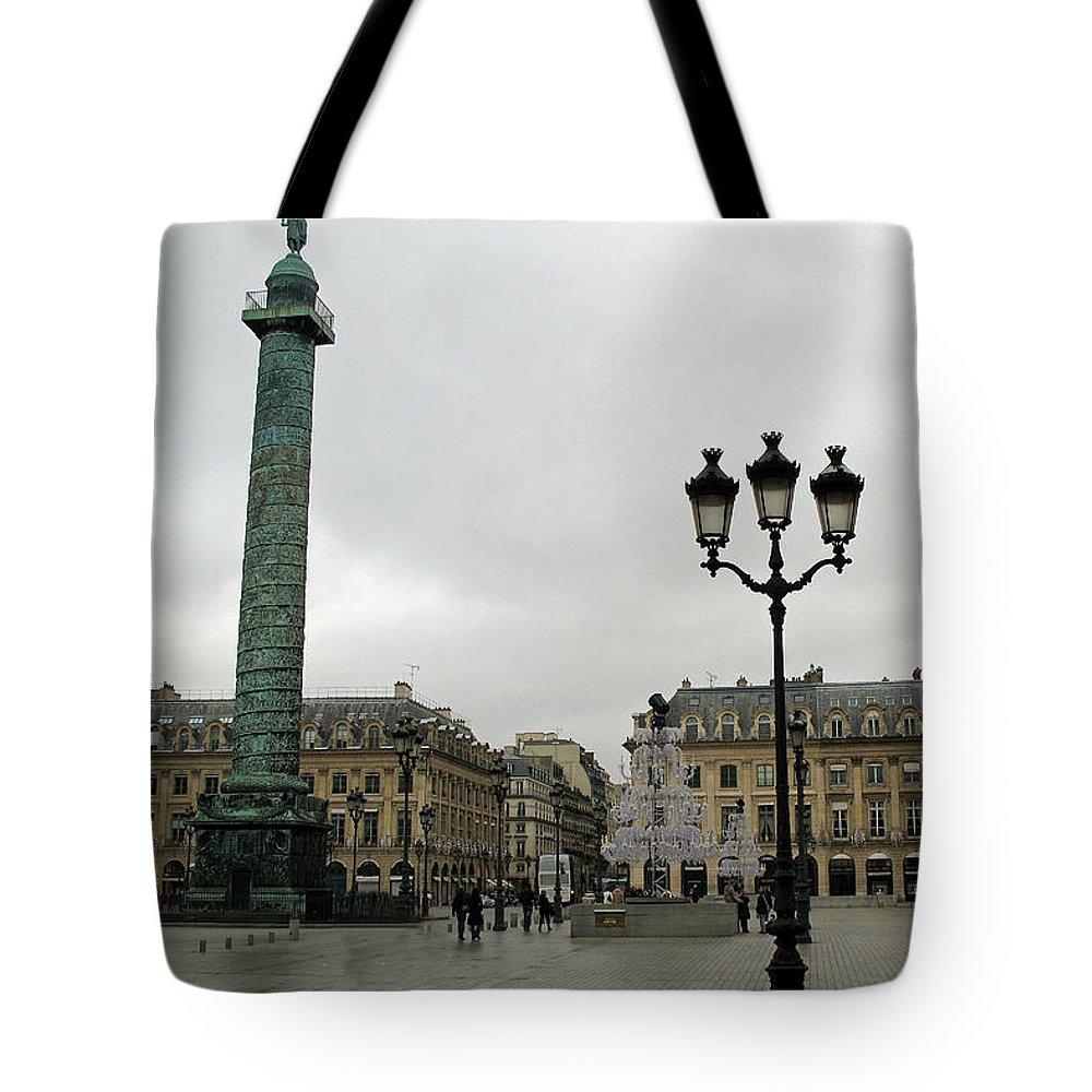 Paris Place Vendome Tote Bag featuring the photograph Paris Place Vendome Architecture Monuments Street Lamps And Buildings by Kathy Fornal