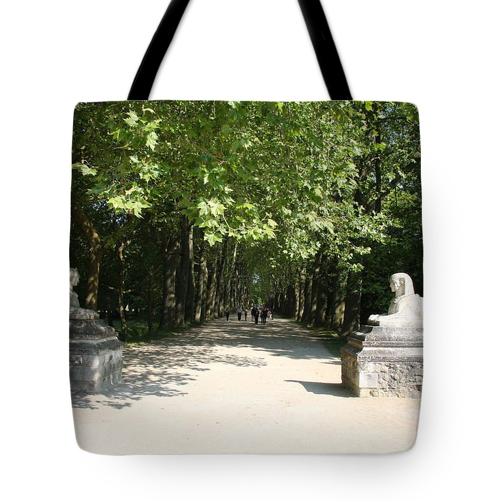 Egyptian Statue Tote Bag featuring the photograph Parkway Chateau Chenonceaux France by Christiane Schulze Art And Photography
