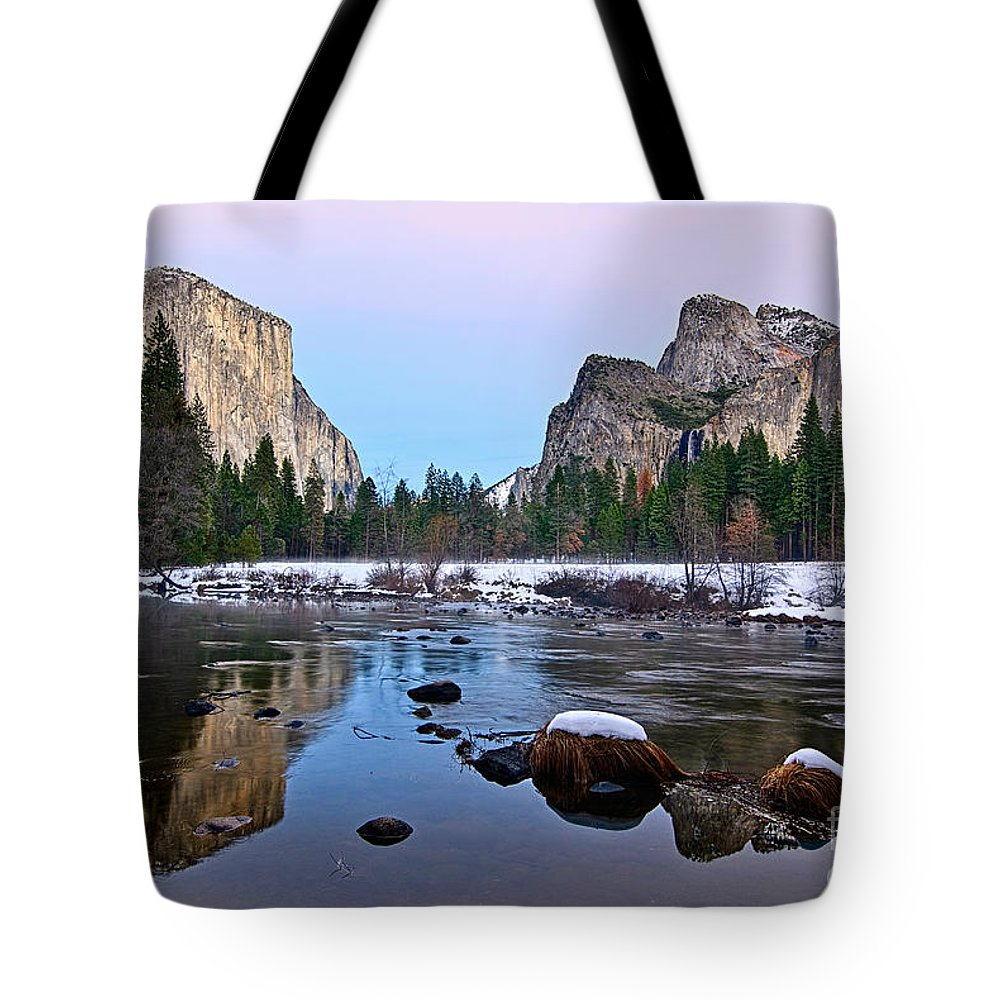 Yosemite Tote Bag featuring the photograph Pastel - Sunset View Of Yosemite National Park. by Jamie Pham