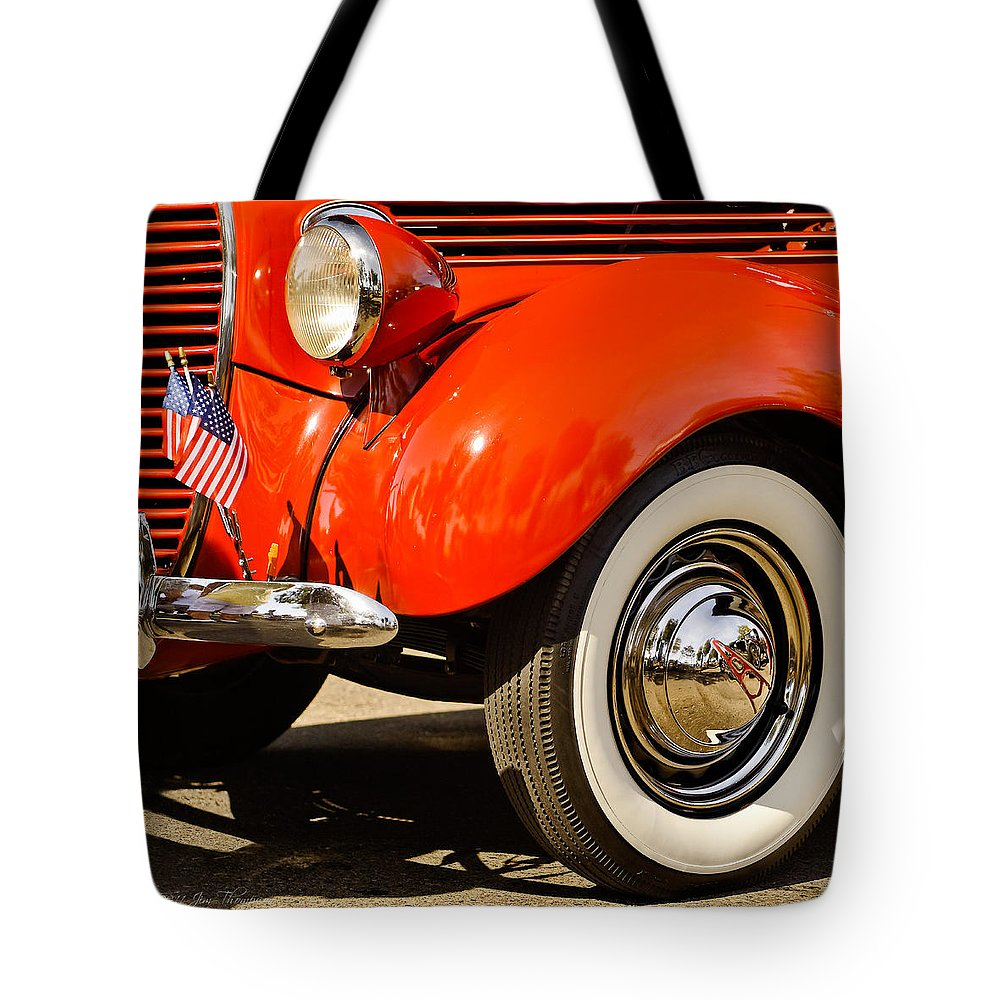 Vintage Automobiles Tote Bag featuring the photograph Patriotic Car by Jim Thompson
