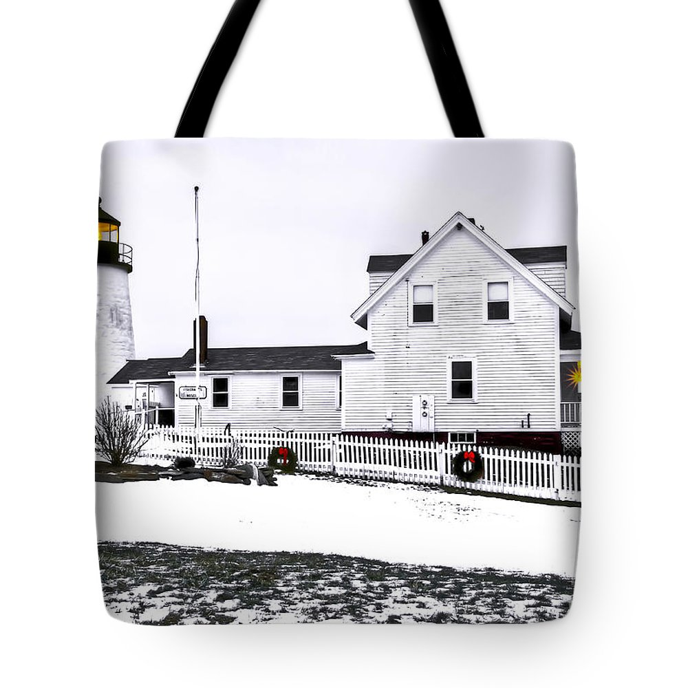 Bristol Tote Bag featuring the photograph Pemaquid Lighthouse by Brenda Giasson