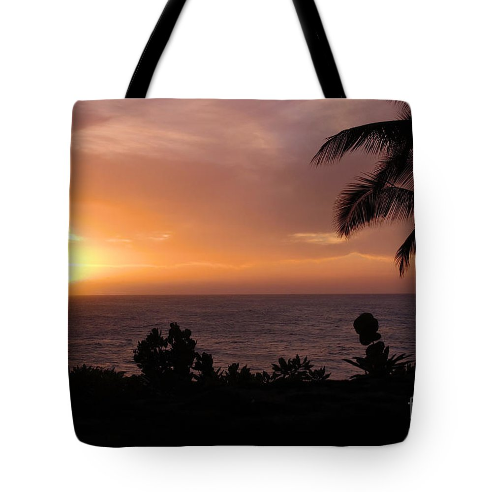 Hawaii Tote Bag featuring the photograph Perfect End To A Day by Suzanne Luft