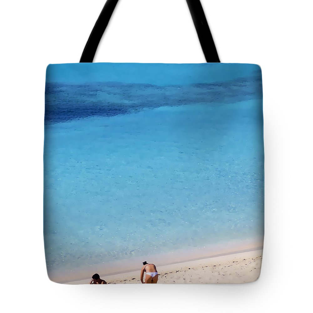 Palma Tote Bag featuring the photograph Perfection by Gillian Singleton
