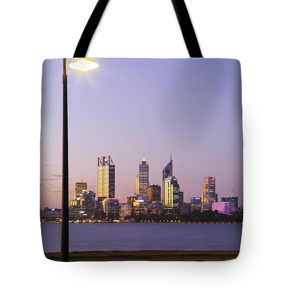 Perth Tote Bag featuring the photograph Perth 2am-004259 by Andrew McInnes