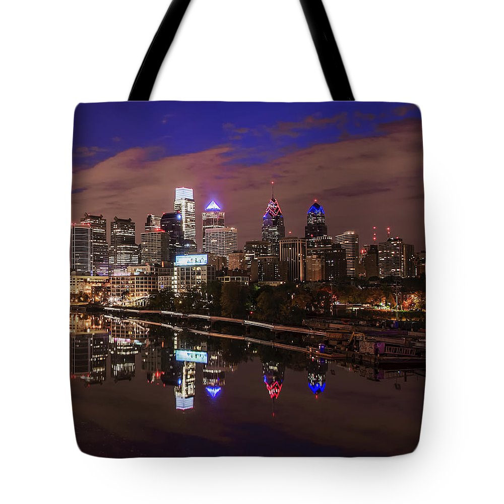 Philadelphia Tote Bag featuring the photograph Philadelphia - Reflections On The Schuylkill River by Bill Cannon