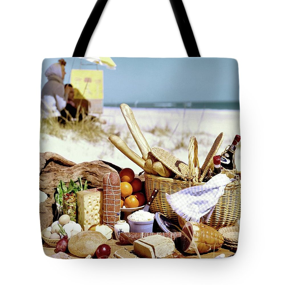 Picnic display on the beach tote bag for sale stan young jpg 1000x1000 Beach  picnic tote a23d05de0137a
