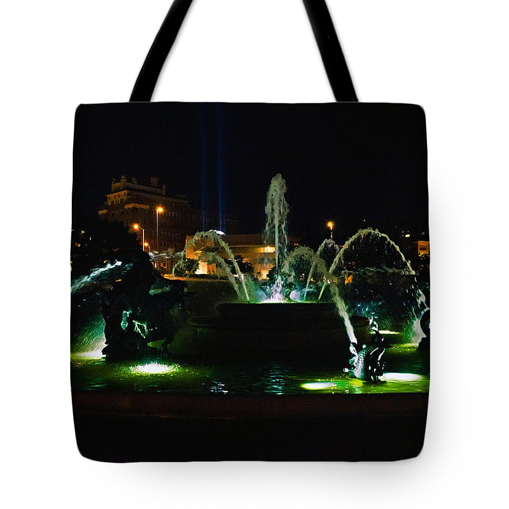 Fountain Tote Bag featuring the photograph Plaza Fountain by Sennie Pierson