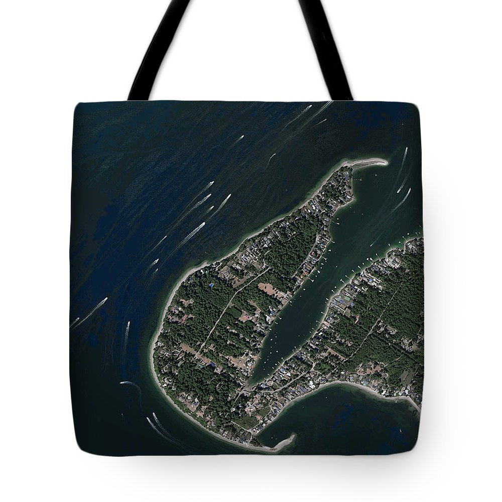 Seattle Tote Bag featuring the photograph Pleasure Boats by Frank Tozier
