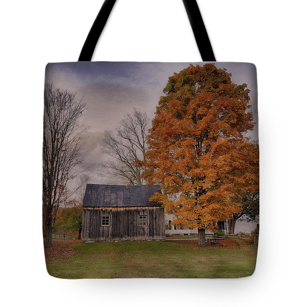 Fall Tote Bag featuring the photograph Plymouth Notch Barn In The Fall by Martin Belan