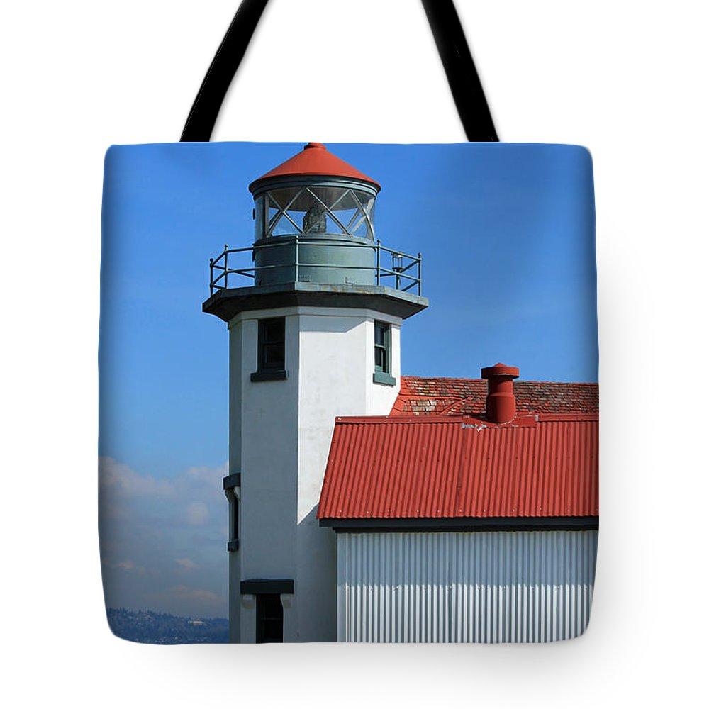 Vashon Island Tote Bag featuring the photograph Point Robinson Light House by E Faithe Lester