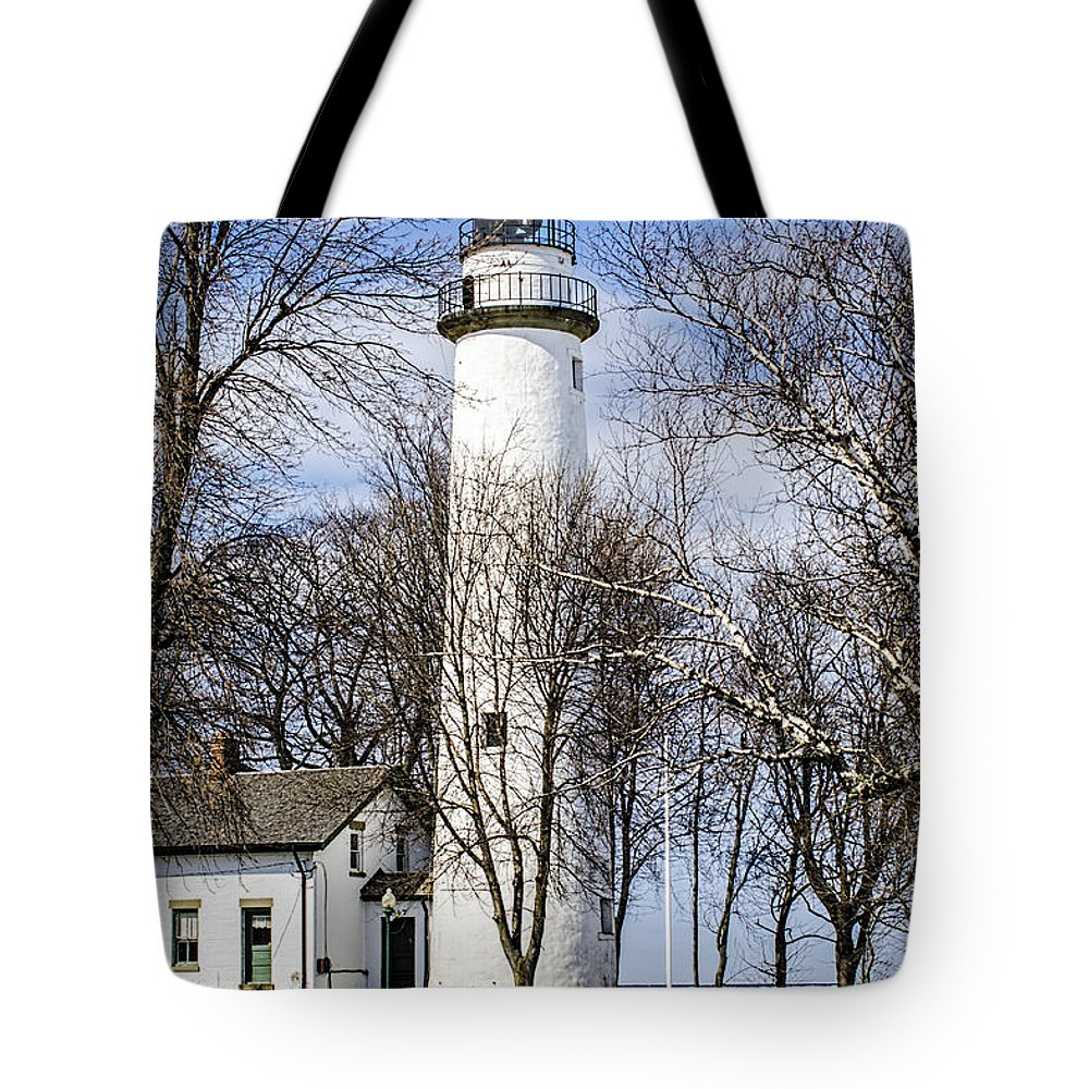 Pointe Aux Barques Lighthouse Tote Bag featuring the photograph Pointe Aux Barques Lighthouse by LeeAnn McLaneGoetz McLaneGoetzStudioLLCcom