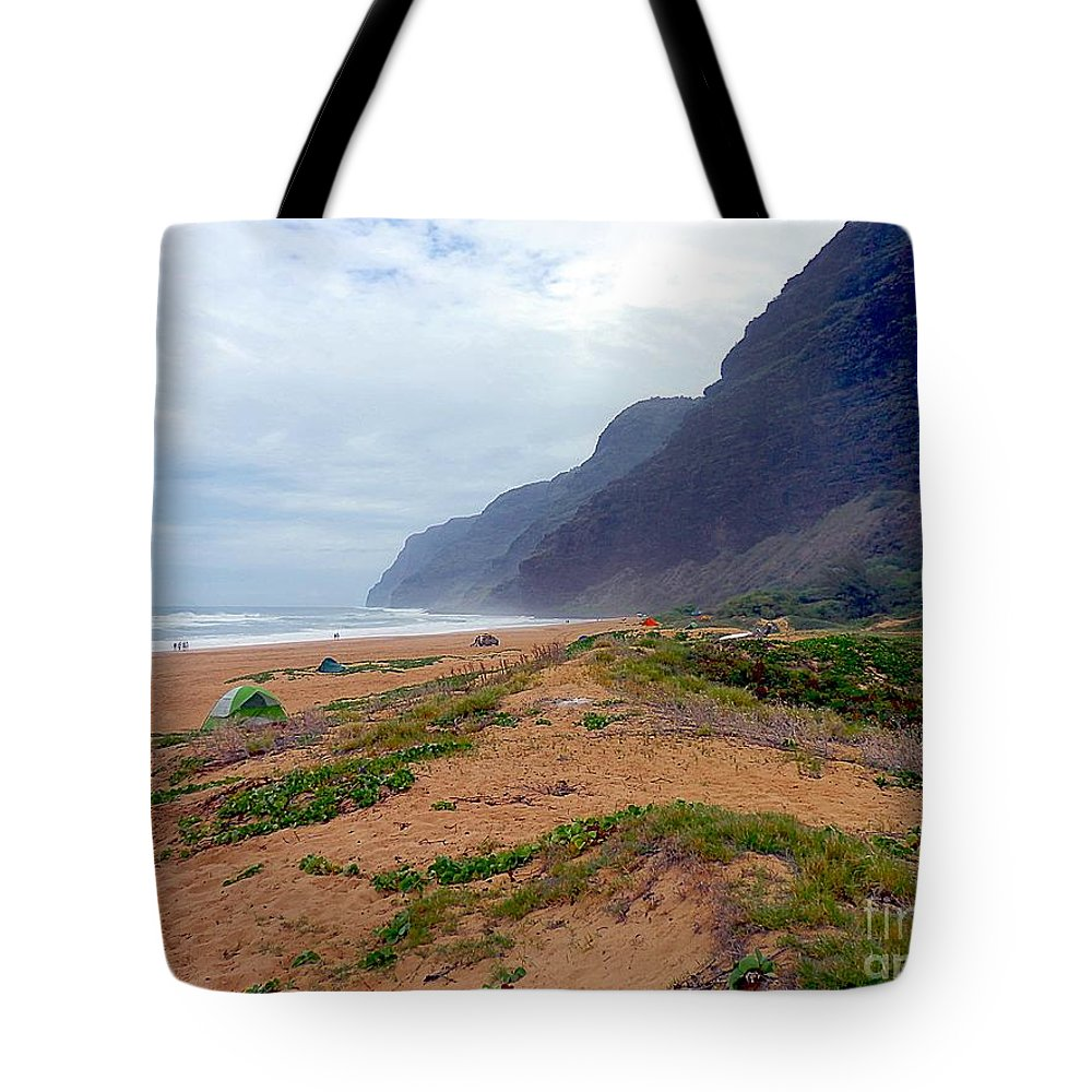 Beach Tote Bag featuring the photograph Polihale State Park by Elizabeth Winter