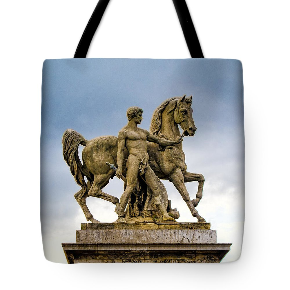 Paris Tote Bag featuring the photograph Pont D' Lena Bridge Statue by Jim Pruett