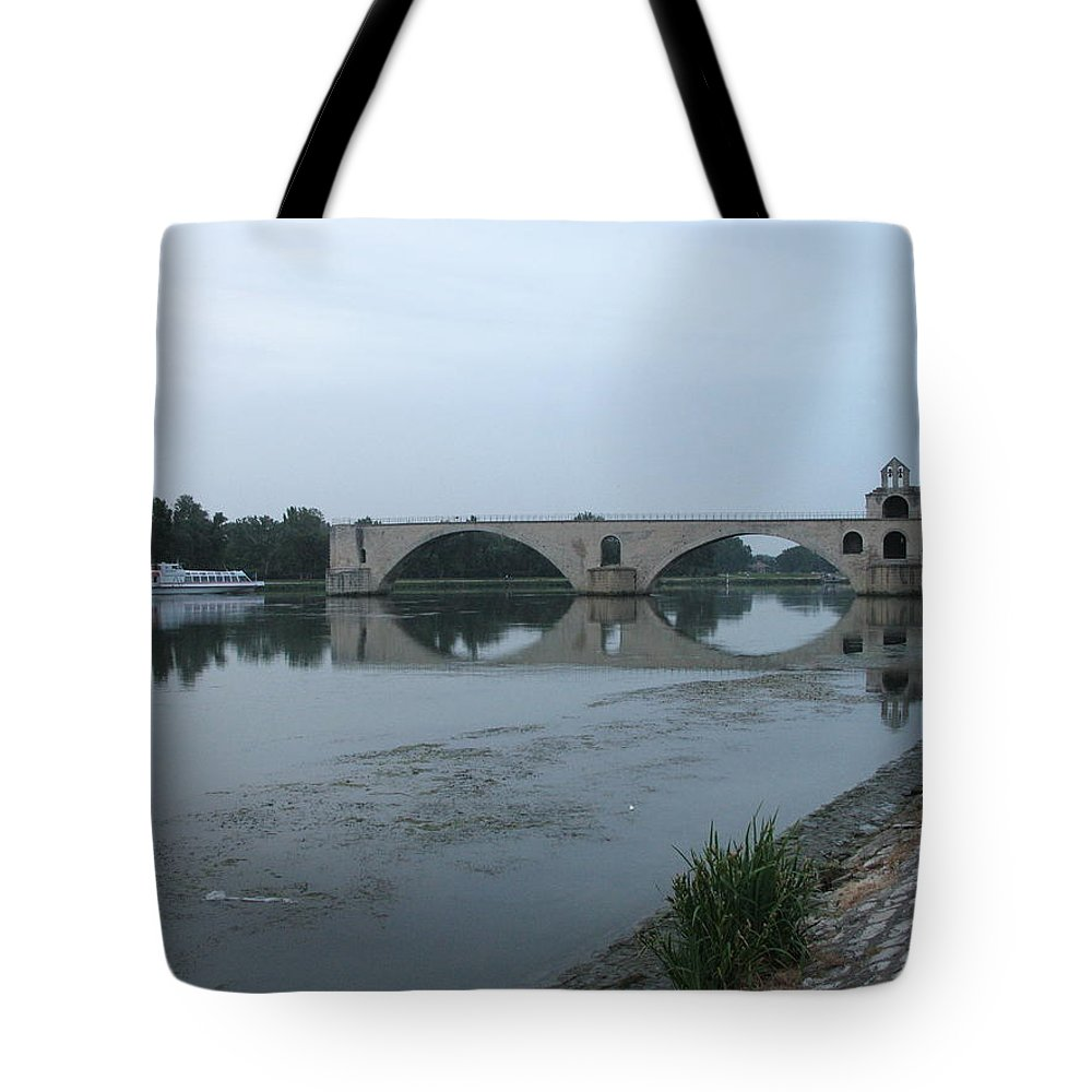 Evening Light Tote Bag featuring the photograph Pont Saint Benezet In The Eveninglight by Christiane Schulze Art And Photography
