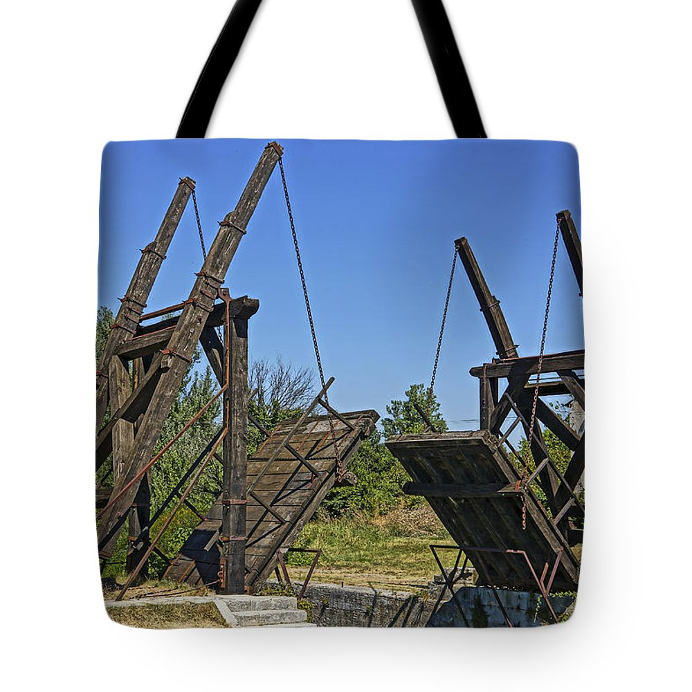 Van Gogh Tote Bag featuring the photograph Pont Van Gogh Arles France Dsc01724 by Greg Kluempers
