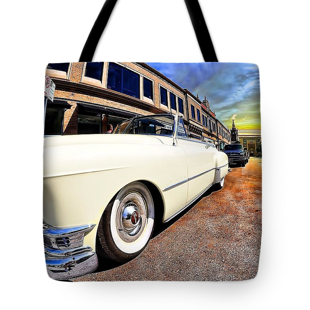 Pontiac Convertible Tote Bag featuring the photograph Pontiac Convertible by Liane Wright