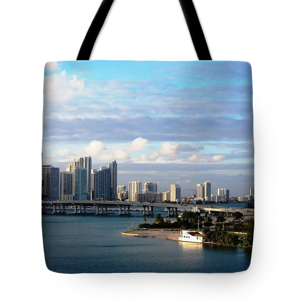 Cruise Ship Tote Bag featuring the photograph Port Of Miami 3 by Teresa Ruiz