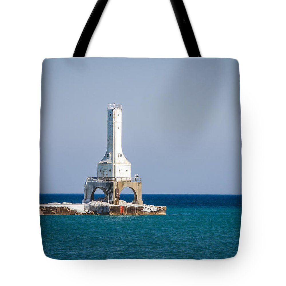 Light House Tote Bag featuring the photograph Port Washington Lighthouse. by Jayne Gulbrand