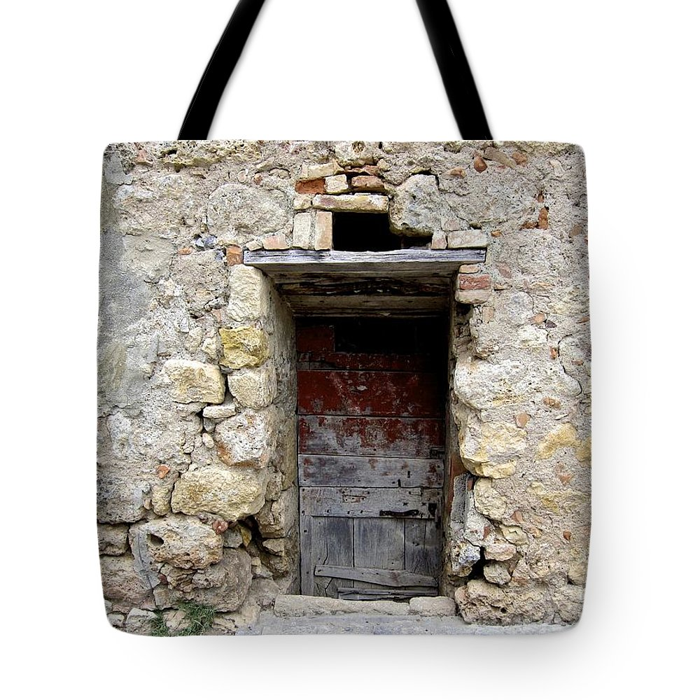 Italy Tote Bag featuring the photograph Porta Rossa by Catherine Ross