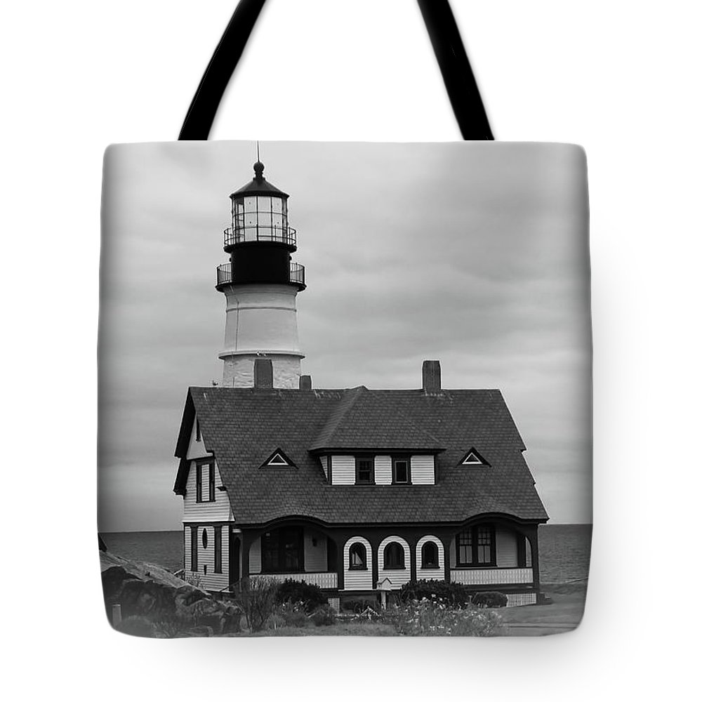 Lighthouse Tote Bag featuring the photograph Portland Headlight 14221 by Guy Whiteley