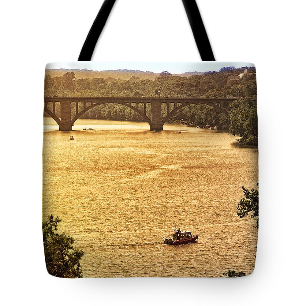 Potomac Tote Bag featuring the photograph Potomac View by Madeline Ellis