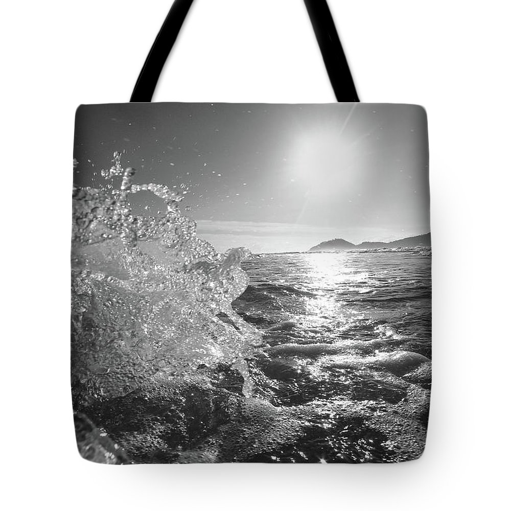 Curve Tote Bag featuring the photograph Powerful Wave At Dawn by Gustavosilent