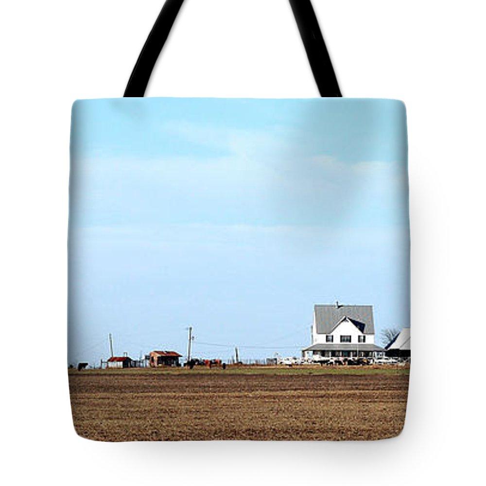 Farm Tote Bag featuring the photograph Prairie Farm by Jack Thomas
