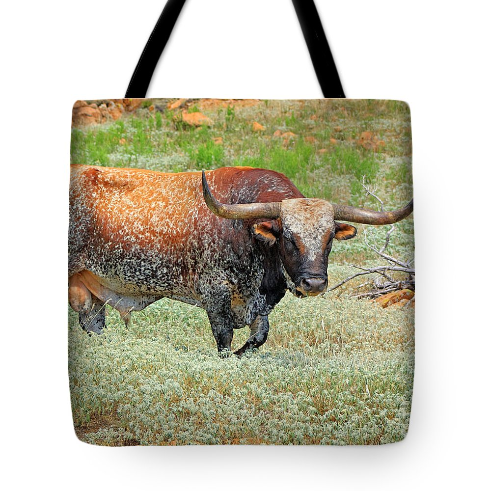 Cutts Nature Photography Tote Bag featuring the photograph Prairie Longhorn by David Cutts