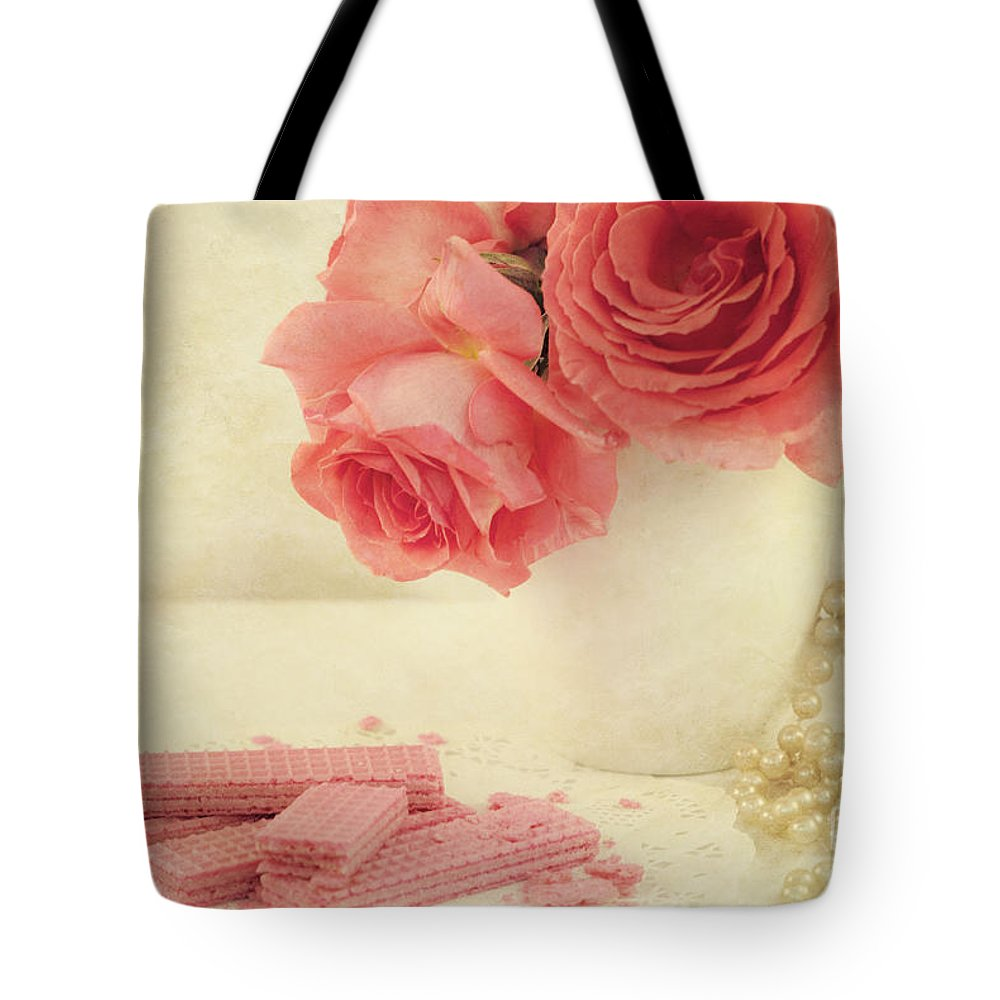 Pink Roses Tote Bag featuring the photograph Pretty In Pink by Juli Scalzi