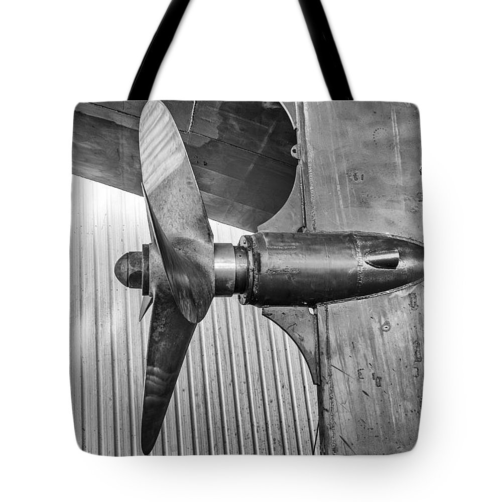 Propeller Tote Bag featuring the photograph Propeller by Jose Bispo