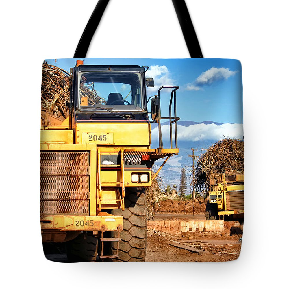 Hawaii Tote Bag featuring the photograph Puunene Mill 23 by Dawn Eshelman