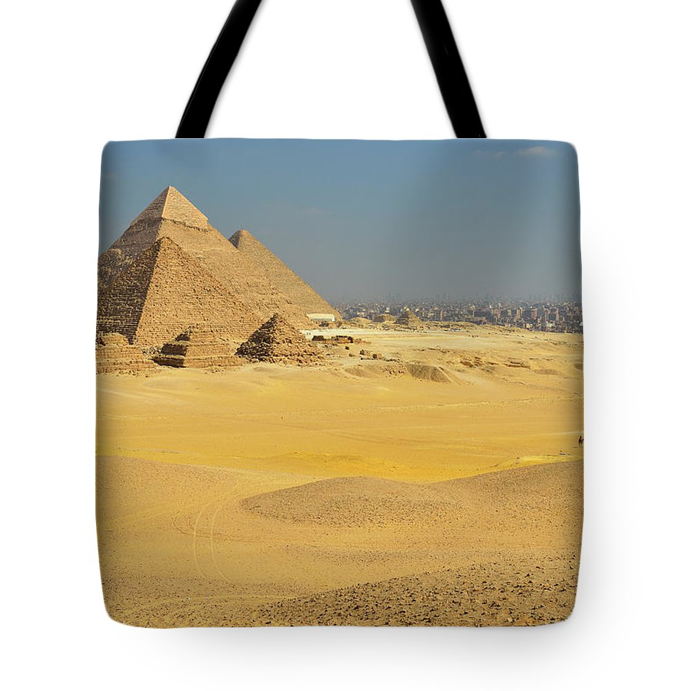 Built Structure Tote Bag featuring the photograph Pyramids Of Giza by Raimund Linke