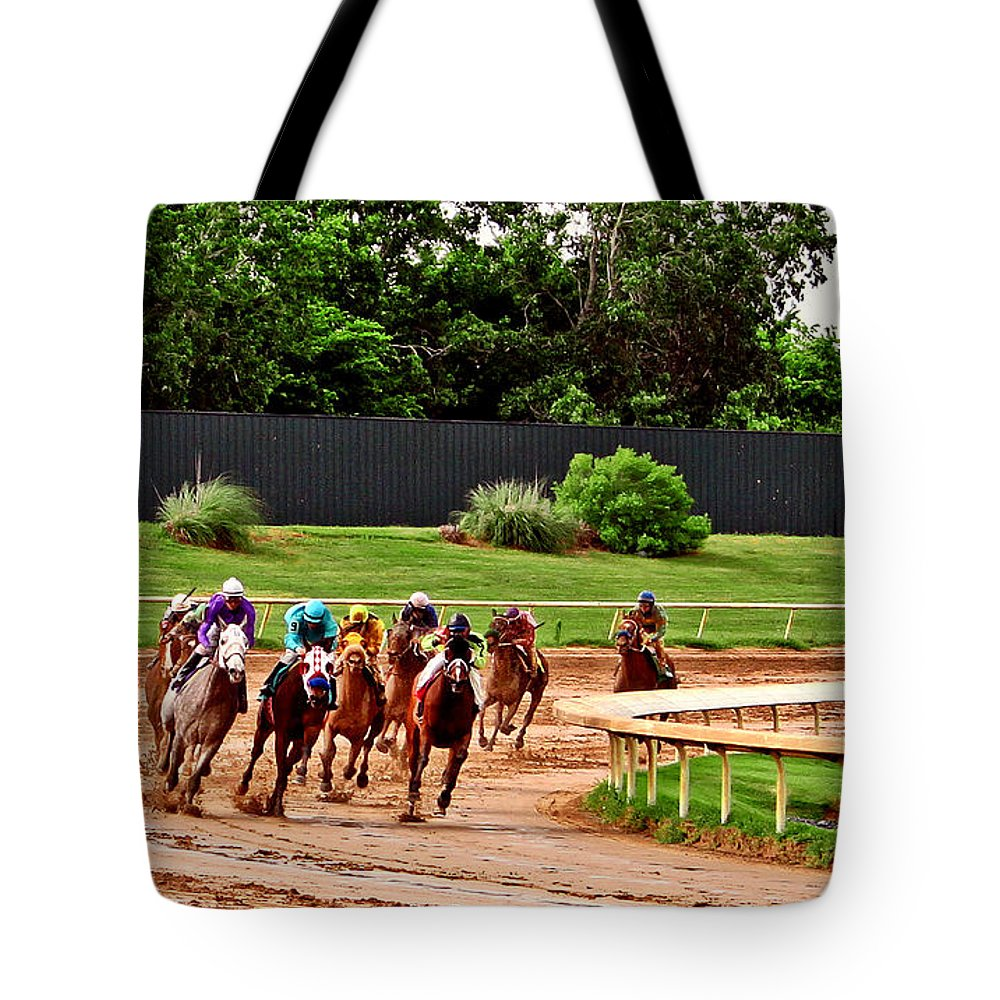 Horse Racing Tote Bag featuring the photograph Quarter Turn 1 012md2 by Earl Johnson
