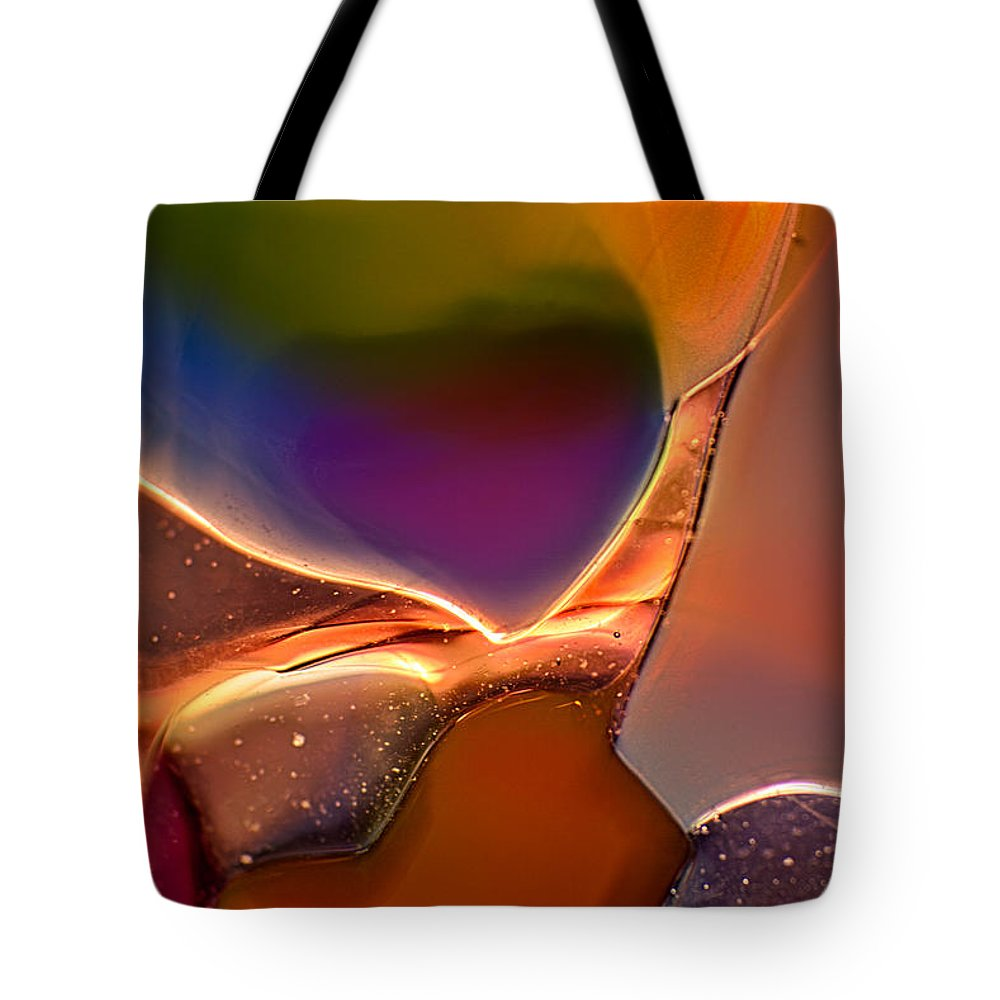 Arabian Tote Bag featuring the photograph Rainbow Emperor by Omaste Witkowski