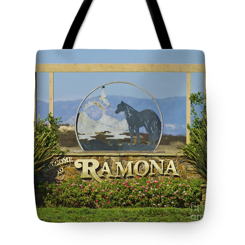 Ramona Tote Bag featuring the photograph Ramona Welcome by L J Oakes