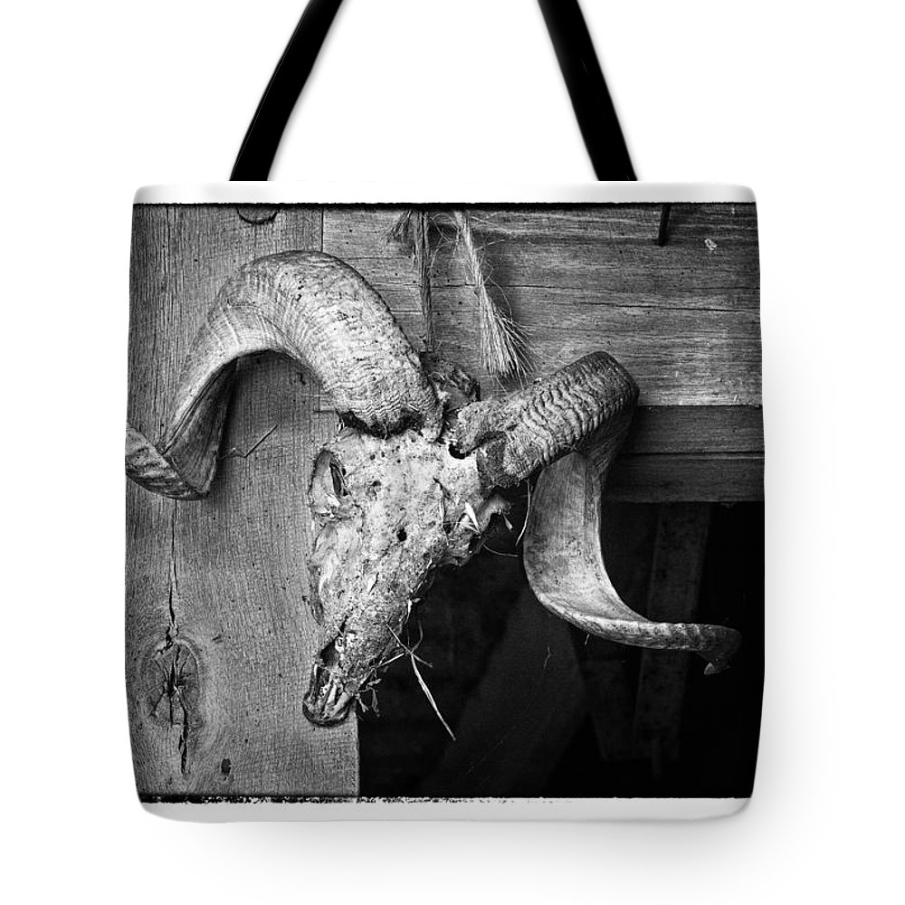 Grunge Tote Bag featuring the photograph Ram's Head - Art Unexpected by Tom Mc Nemar