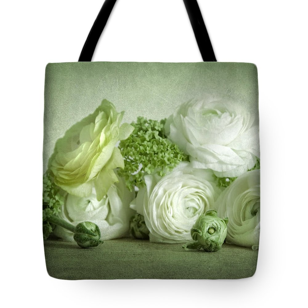 Weis Tote Bag featuring the pyrography Ranunkel by Steffen Gierok