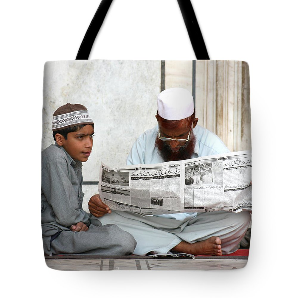 Street Photography Tote Bag featuring the photograph Reading In New Delhi by Amanda Stadther