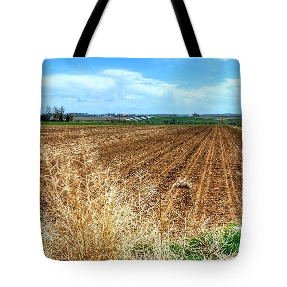 Ag Tote Bag featuring the photograph Ready To Grow 14658 by Jerry Sodorff