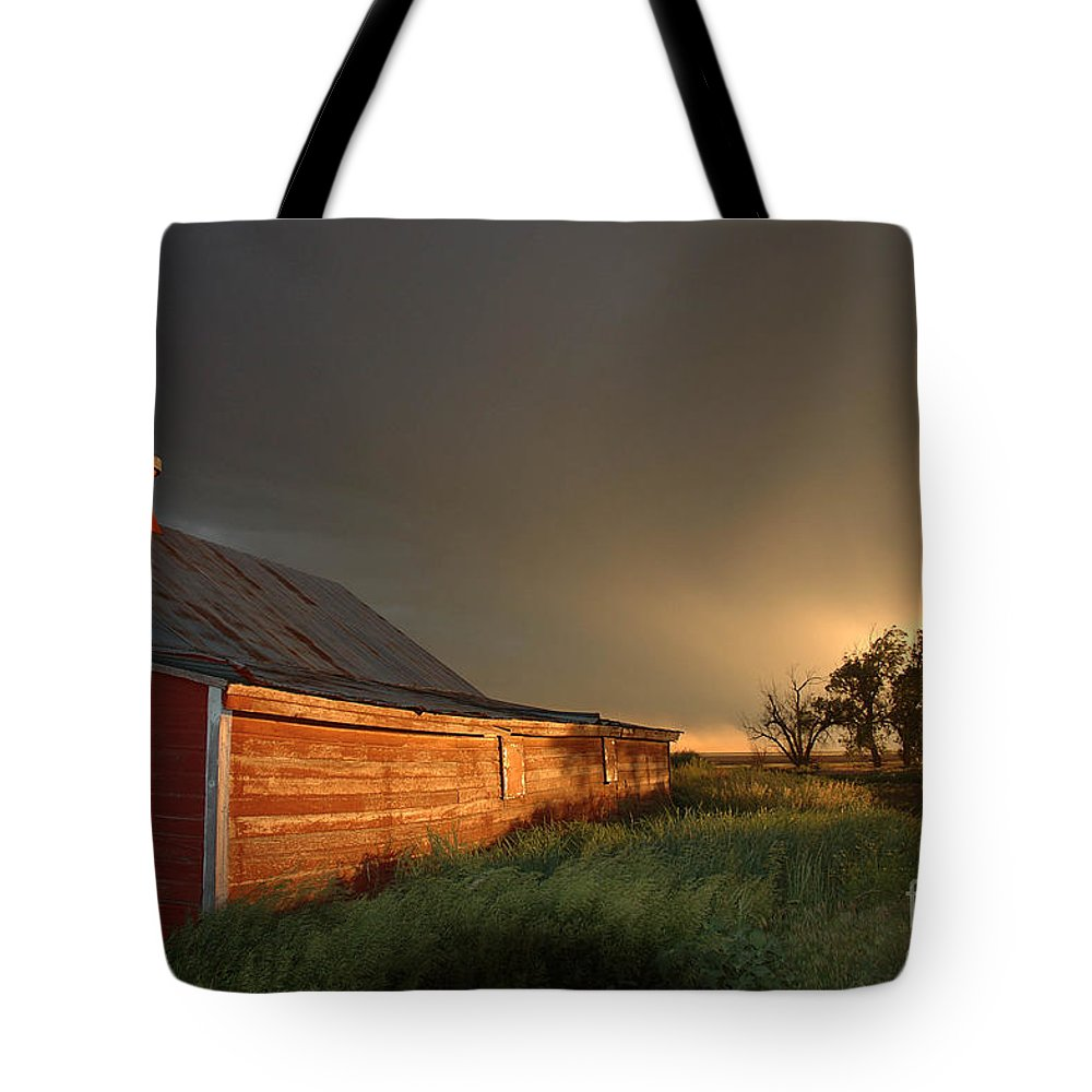 Barn Tote Bag featuring the photograph Red Barn At Sundown by Jerry McElroy