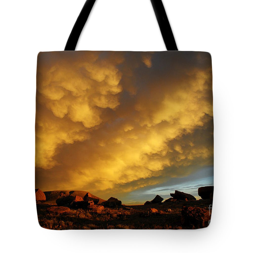 Red Rock Coulee Tote Bag featuring the photograph Red Rock Coulee Sunset by Vivian Christopher