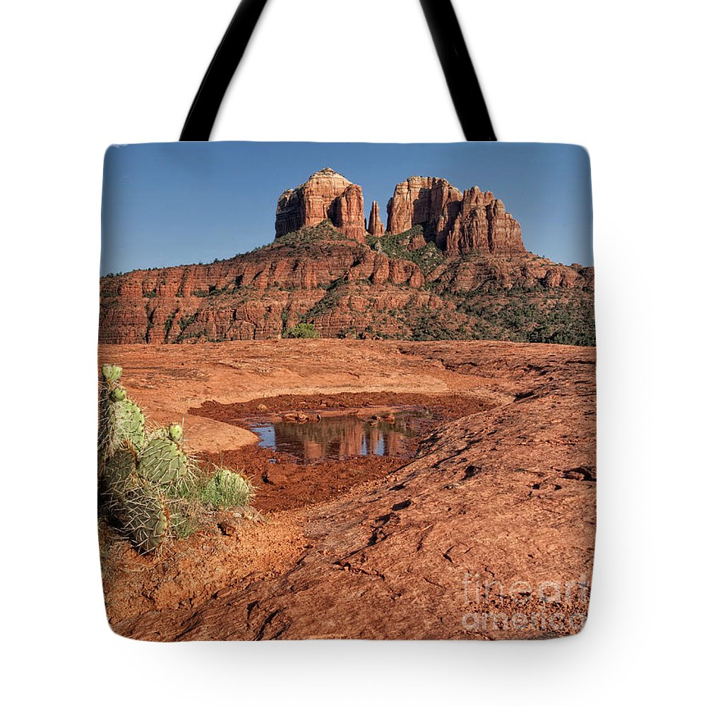 Red Rocks Tote Bag featuring the photograph Red Rocks by Claudia Kuhn