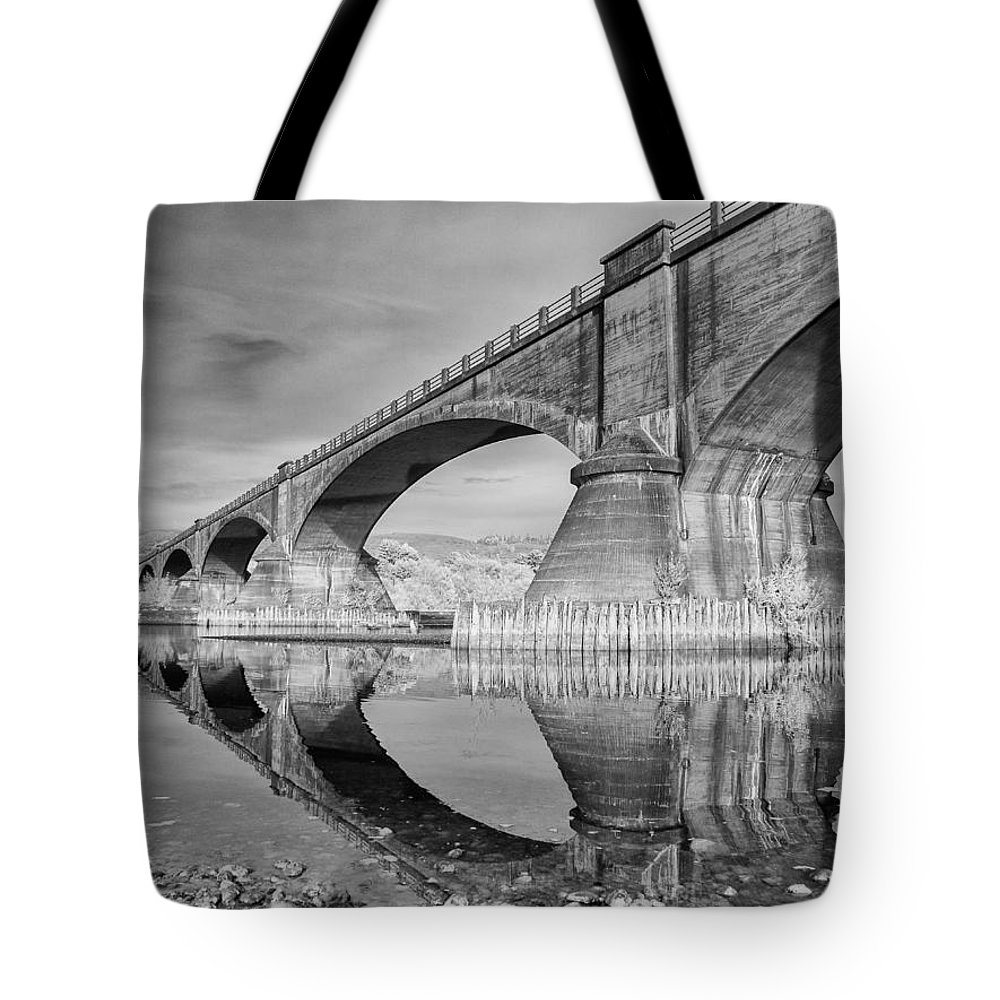 Infrared Tote Bag featuring the photograph Reflecting Fernbridge by Greg Nyquist