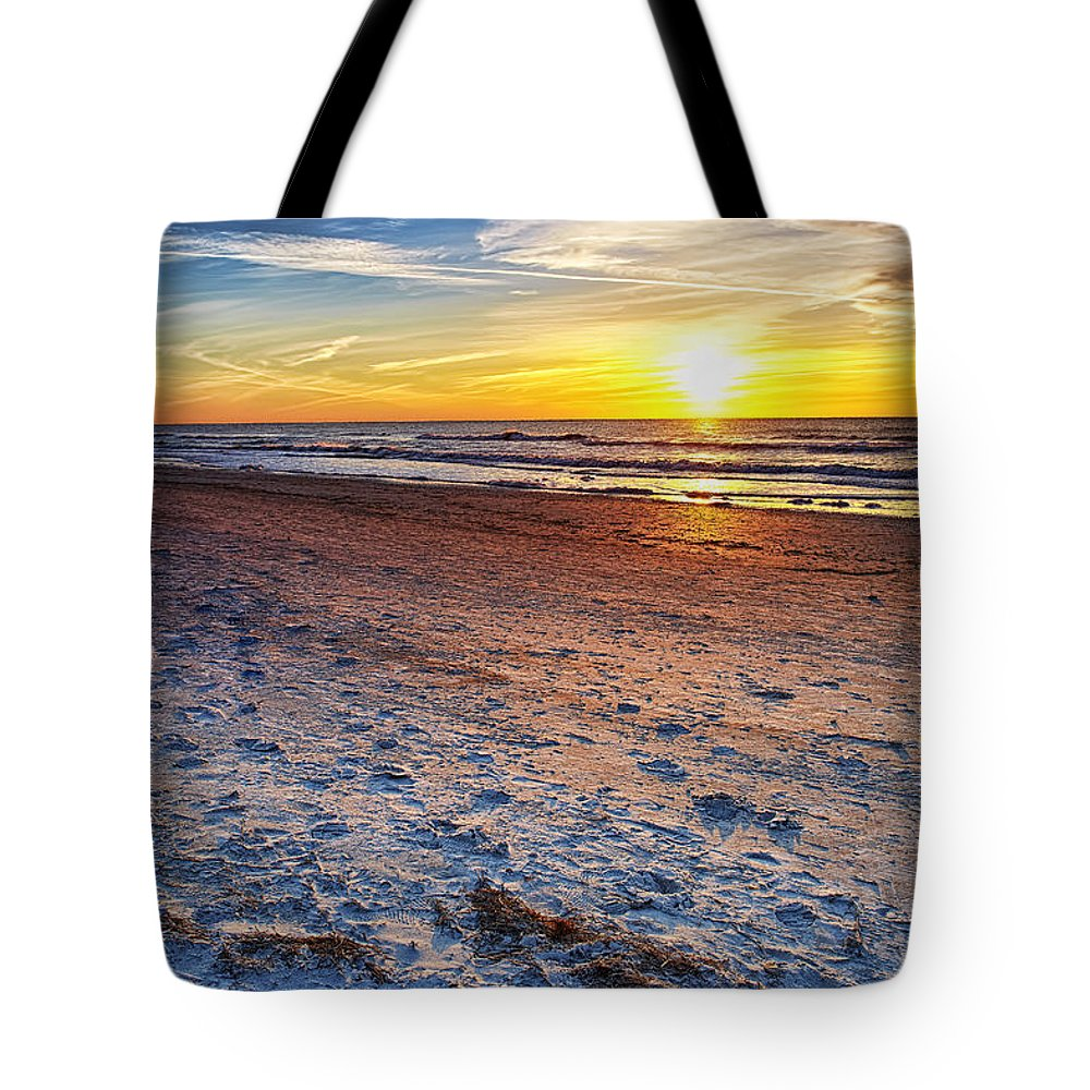 Sun Tote Bag featuring the photograph Reflection by Eyzen M Kim